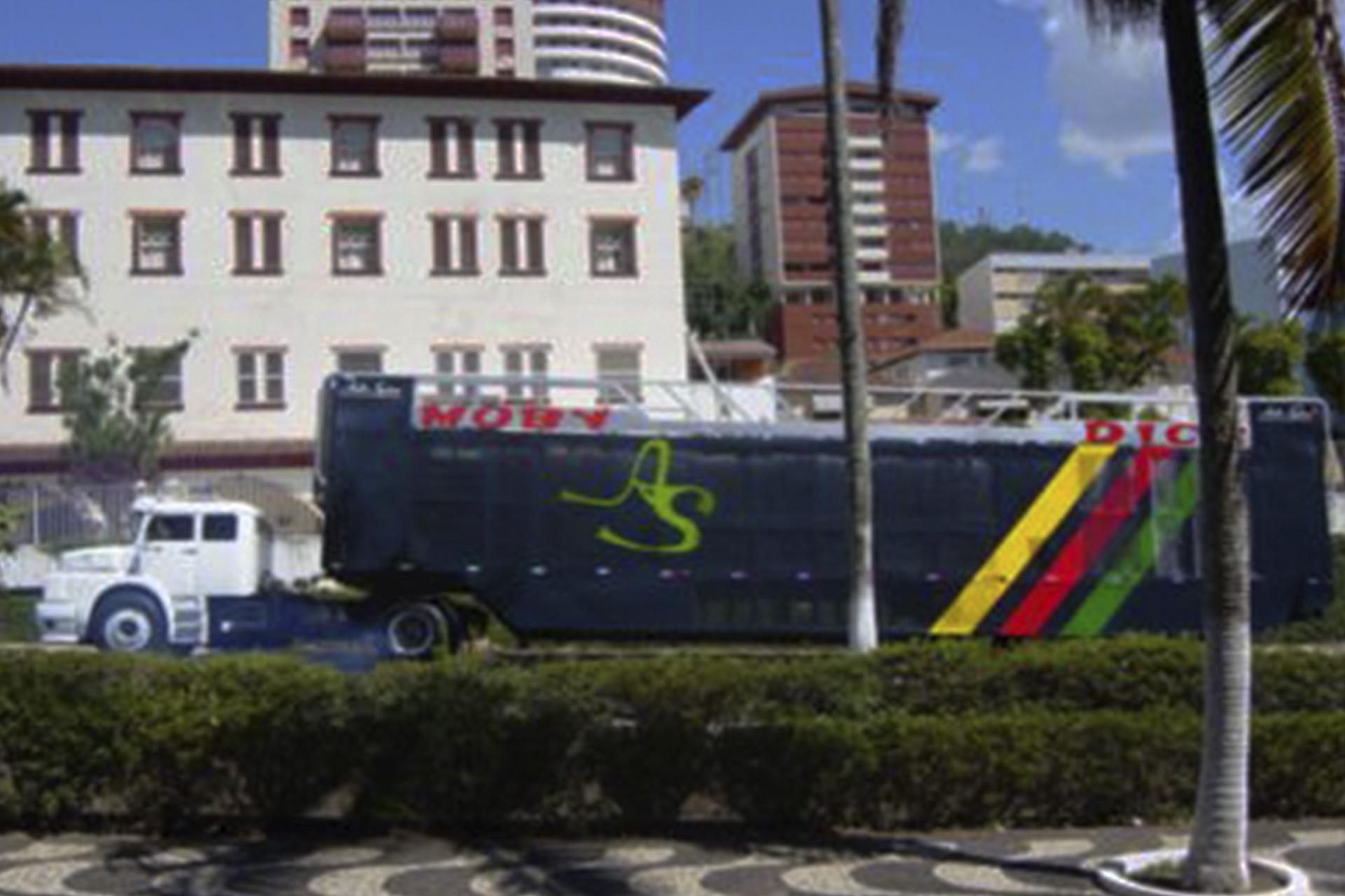 6-TRIO CARRETA MOBY DYC